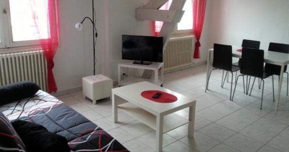 Intérieur d'un des studios meublés à louer à La Roche Posay (86)